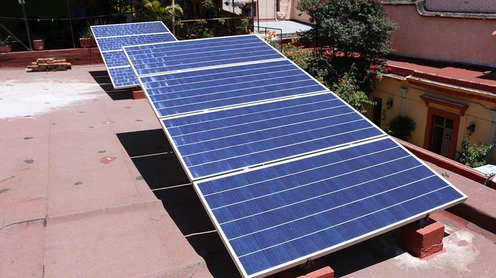 Hotel Posada del Centro 5.95 kW Instalados En Oaxaca de Juárez Módulos SunPower Microinversores Hoymiles Tarifa PDBT